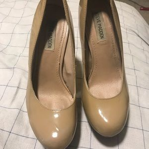 Steve Madden shoes nude color size 8